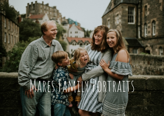 Read more about the article Mares Family Portraits in Edinburgh